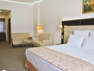 7 Avenue Hotel & Spa