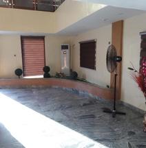 X Garden Hotel & Suites