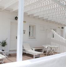 Porto Scoutari Romantic Hotel