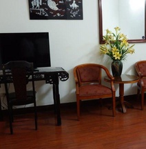 Hanoi Golden Moon Guest House & Travel
