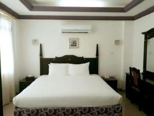 Palace Hotel Apartments
