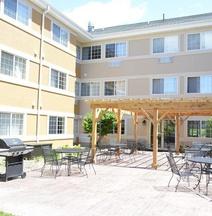 MainStay Suites Dubuque