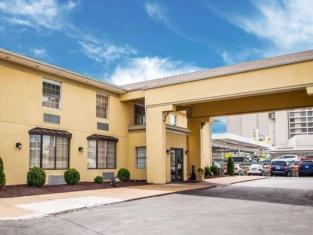 โรงแรมควอลิตี้อินน์ สนามบินเซนต์หลุยส์
