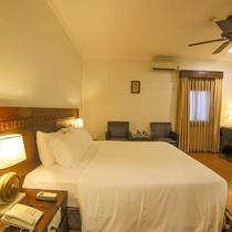 Khách sạn Chu