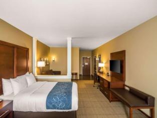 Comfort Suites - Dodge City
