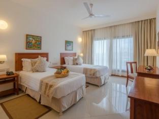 Sea Cliff Court Hotel & Luxury Apartments