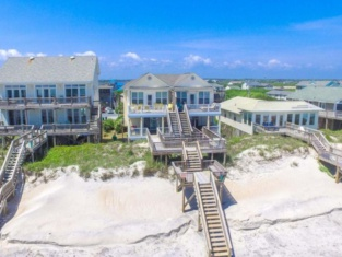 Beachy Keen 5 Br home by RedAwning