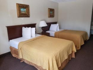 Executive Inn & Suites Ozark