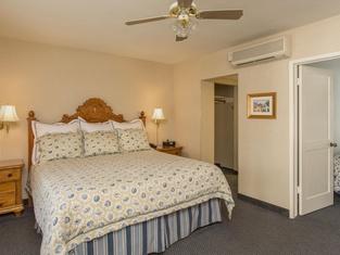 Franciscan Inn & Suites