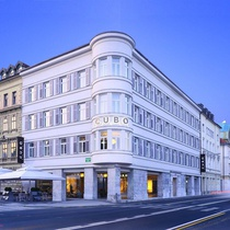 Cubo Hotel