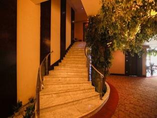 Quanlin Hotel (Guiyang Jiaxiulou)