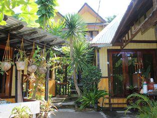 Novie's Tourist Inn