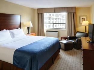 Holiday Inn & Suites Winnipeg Downtown