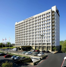 Doubletree By Hilton Hotel Dallas - Market Center