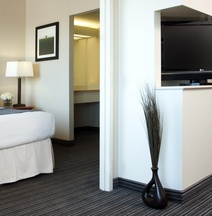 Cambridge Suites, Sydney