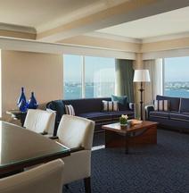 โรงแรมเรอเนซองซ์ บอสตัน วอเตอร์ฟรอนท์