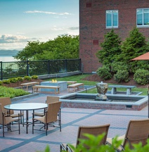 Courtyard Burlington Harbor