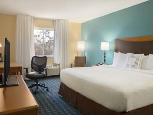 Fairfield Inn Suites Minneapolis St. Paul/Roseville