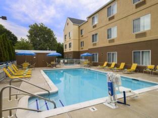 Fairfield Inn Suites Allentown Bethlehem/Lehigh Valley Airport