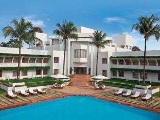 โรงแรมไทรเด้นท์ บูบาเนสวอร์