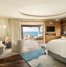 3br- Rez de Chaussée- Piscine et vue sur L'océan- Private Residence 104 au Ritz-carlton- Grand Cayman