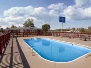 Americas Best Value Inn & Suites Macon at Sunset Dr