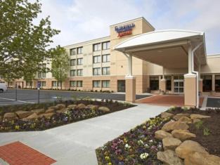 Fairfield Inn Suites Cleveland Beachwood