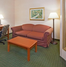 Holiday Inn & Suites Madison West