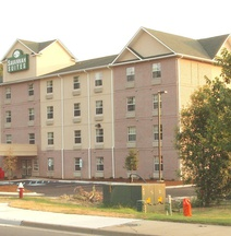 Savannah Suites Newport News