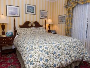 Elevate Rooms Calgary Westways Guest House