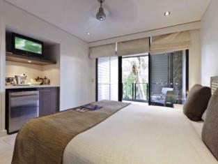 Pullman Palm Cove Sea Temple Resort And Spa