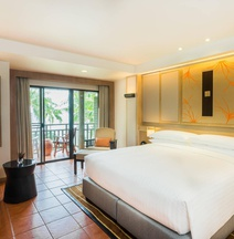 Phuket Marriott Resort Spa, Merlin Beach