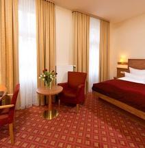 柏靈普倫茨勞堡佐熱霍夫酒店&公寓式酒店