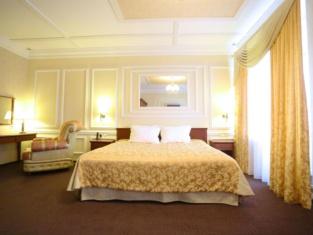 Nikolaevsky Hotel