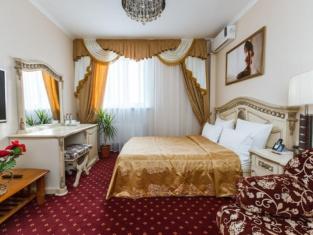 Grand Hotel Uyut