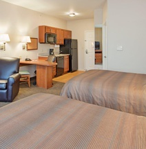 Candlewood Suites Kansas City Northeast