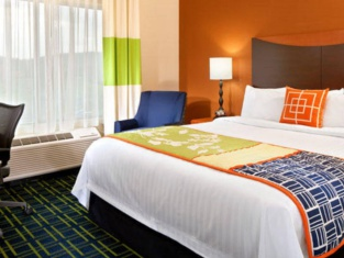 Fairfield Inn Suites Tulsa Southeast/Crossroads Village