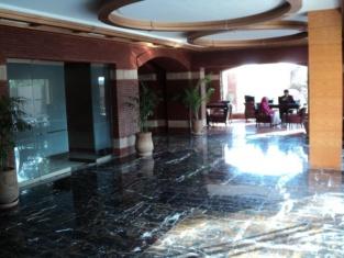 ホテル ワン ファイサラバード