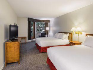 Whistler Village Inn & Suites