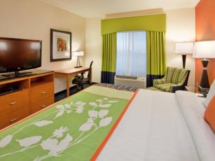 Fairfield Inn Suites Kearney