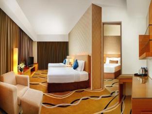 โรงแรมเดอะเซนิธ