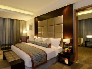 吉大港灣景麗笙藍標飯店