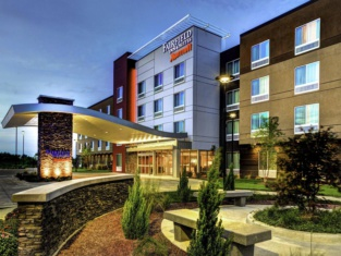 Fairfield Inn Suites Lansing At Eastwood