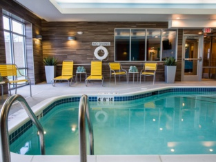 Fairfield Inn & Suites by Marriott Lincoln Southeast