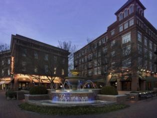 Hampton Inn Huntsville/Village Of Providence