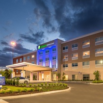 Holiday Inn Express & Suites TAMPA NORTH - WESLEY CHAPEL