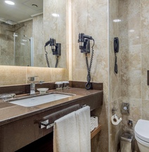 Отель Holiday Inn Antalya Lara
