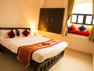 Hotel Nahargarh Palace