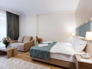 Mari Suites Hotel