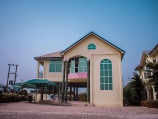 Sheilas Executive Hotel & Lodge